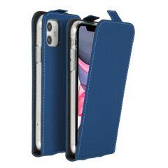 Accezz Flipcase iPhone 11 - Blauw